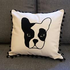 Almofada artesanal - Estampa cachorro com desfiado 45x45cm