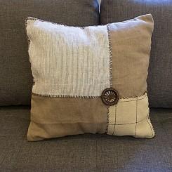 Almofada artesanal linho - Estampa escura 45x45cm