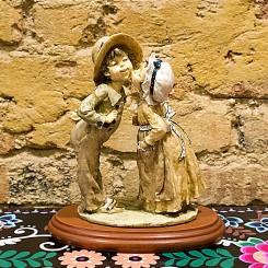 Escultura namorados