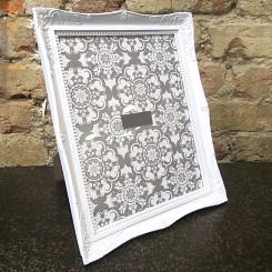 Porta Retrato de Plástico Branco - Grande